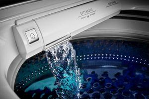 Built-in water faucet