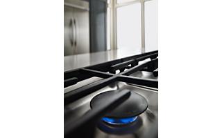 6K BTU Even Heat™ Simmer Burner