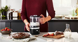 Space-Saving, 5 Cup Compact Design