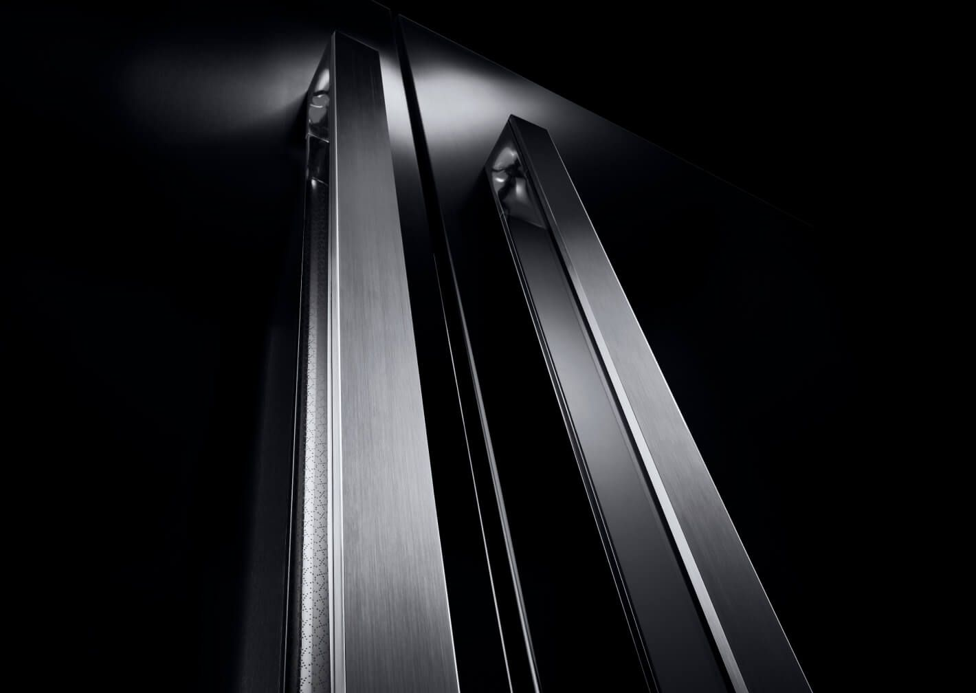 A close up of the handles on a NOIR™ Design column pair.