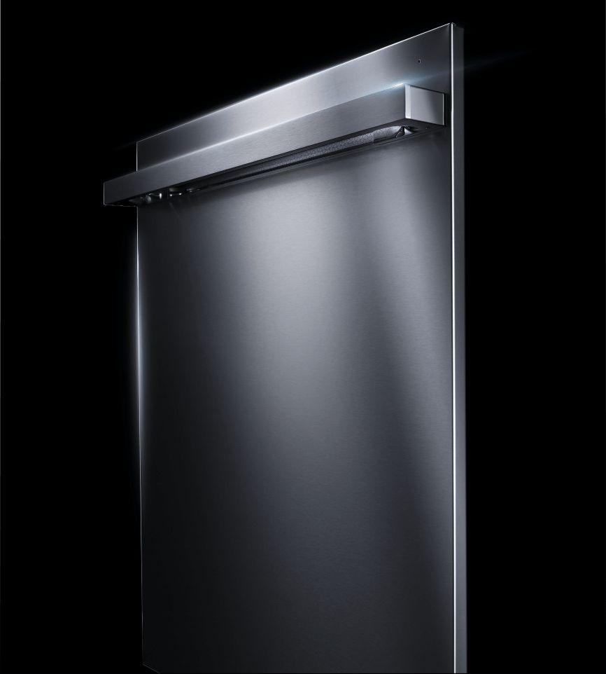 A right profile of a JennAir® NOIR™ Design dishwasher.