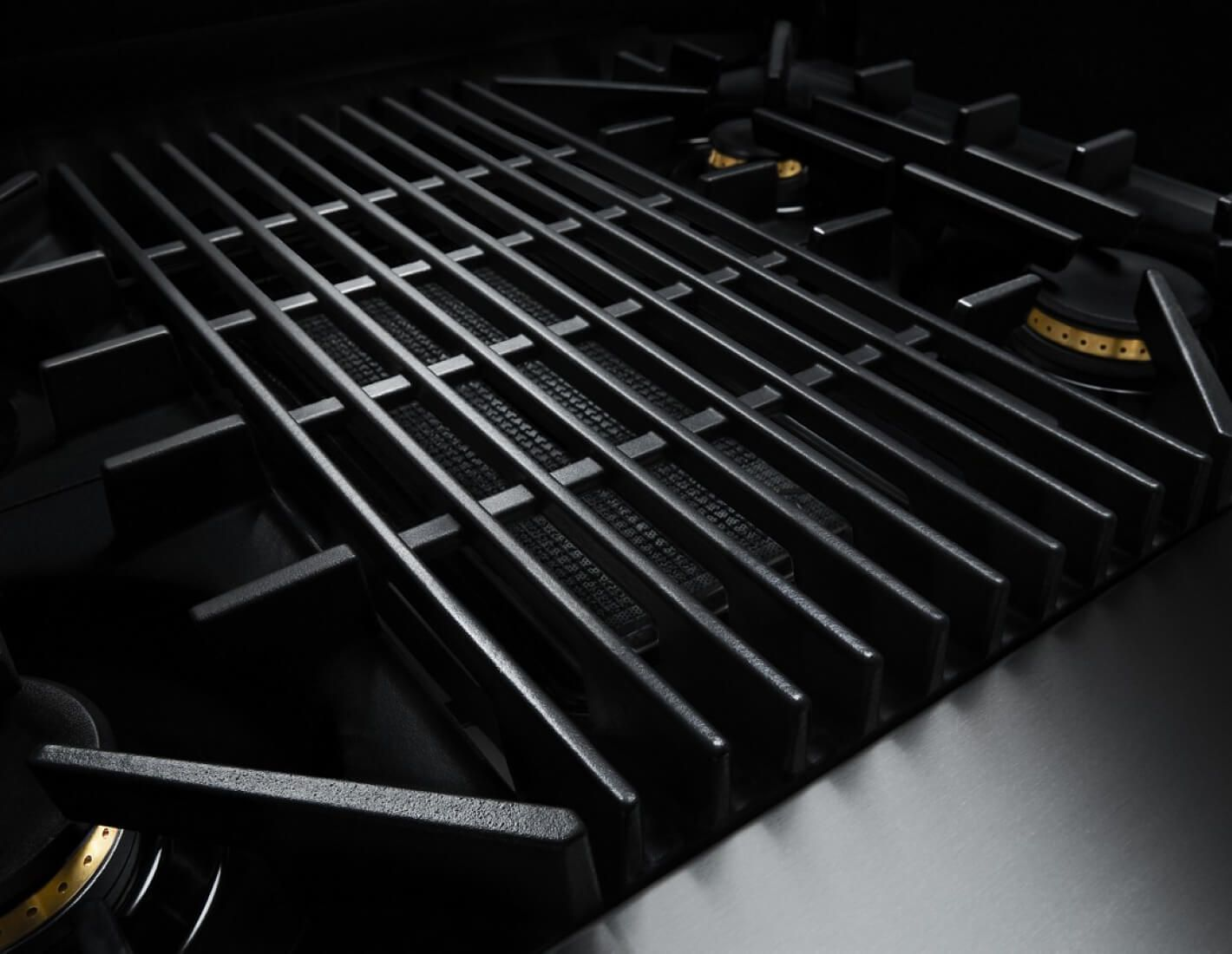 The grill on a RISE™ Design gas rangetop.