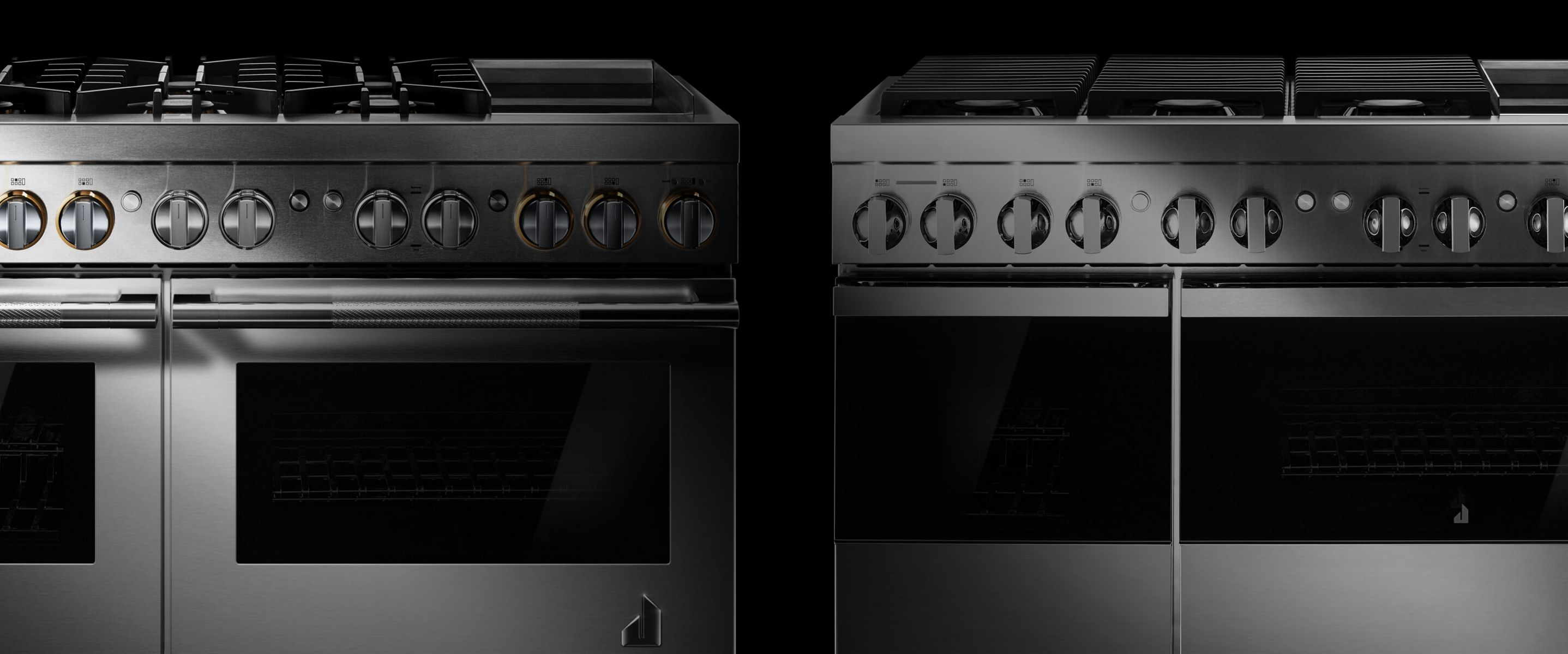 The top of a NOIR™ professional-style range, featuring 6 burners and a chrome-infused griddle.