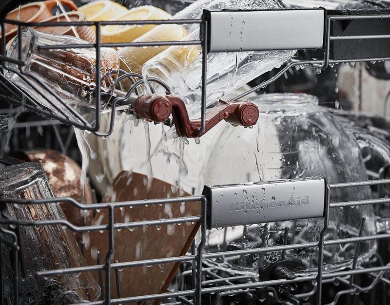 Water spraying on third rack of KitchenAid® FreeFlex™ Third Rack Dishwasher