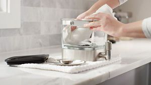 kitchenaid-2017-KCM4212SX_HowTo_Care_Cleaning