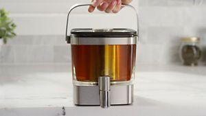 KCM5912SX-Brewing-Tea-Final