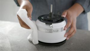 KA_5_Cup_Food_Chopper_Cleaning