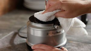 KFC3516_HowTo_Cleaning