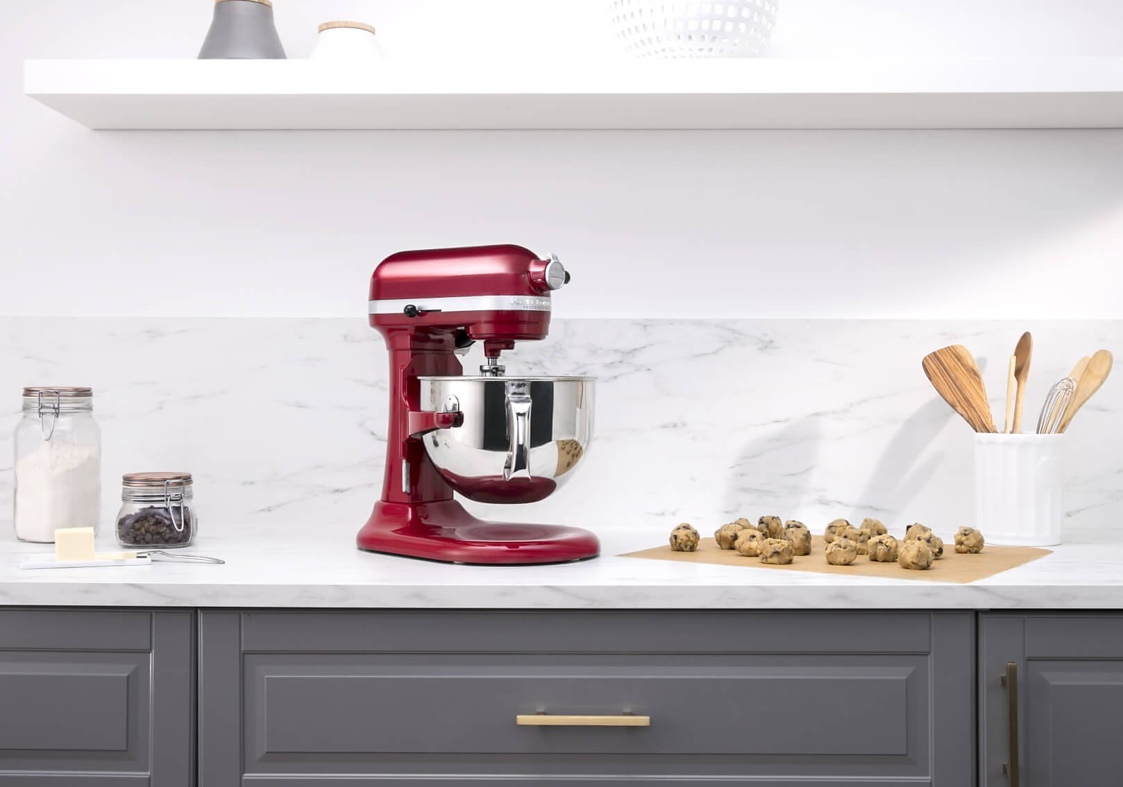 Baking cookies using a KitchenAid® bowl-lift stand mixer