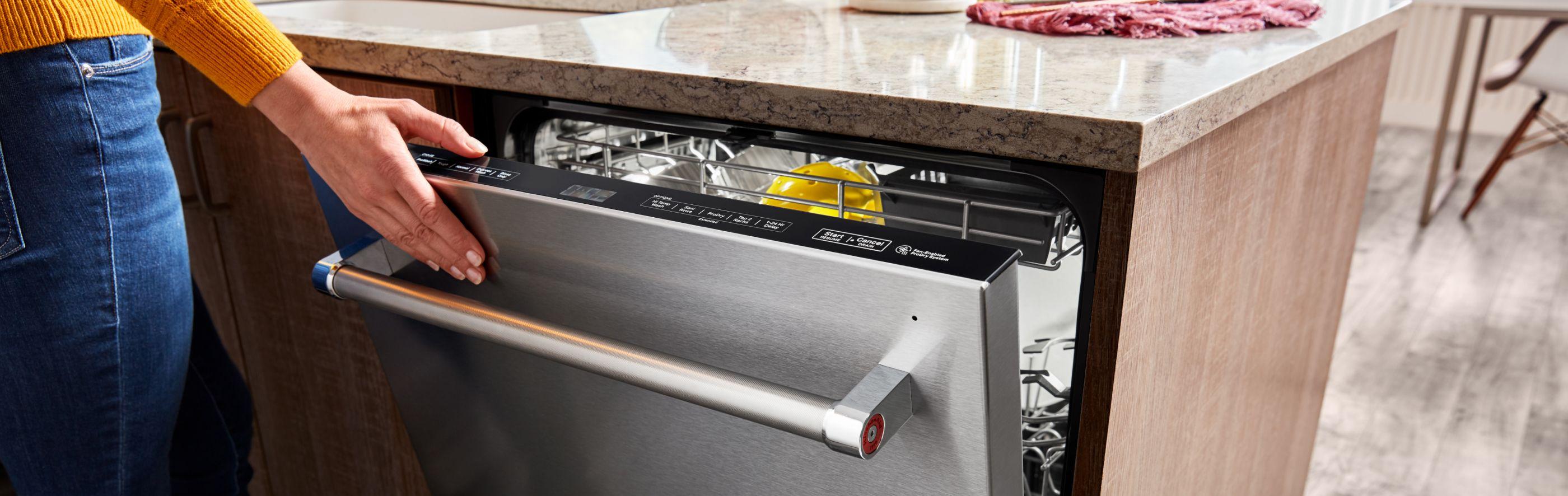 Hand closing top control dishwasher