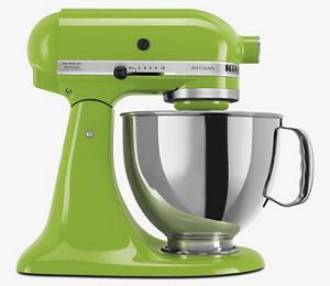 Una batidora KitchenAid color verde manzana metalico con un bowl metalico.