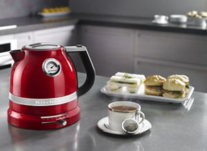 Heat water for tea, coffee and other beverages with an electric kettle.