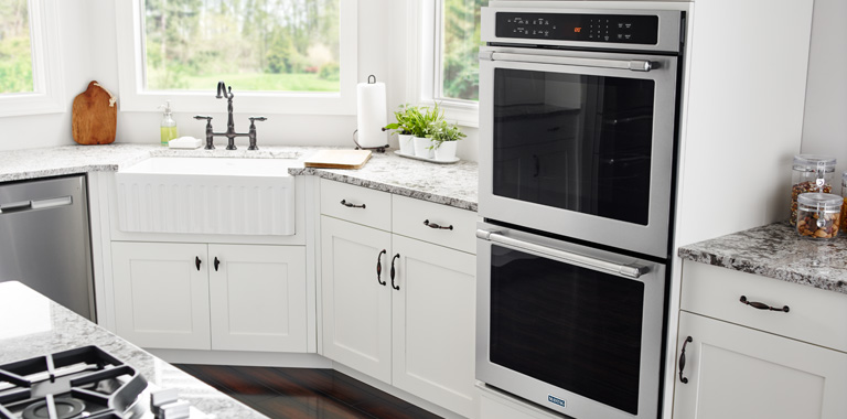 Whirlpool Built-In Double Oven In Modern Kitchen