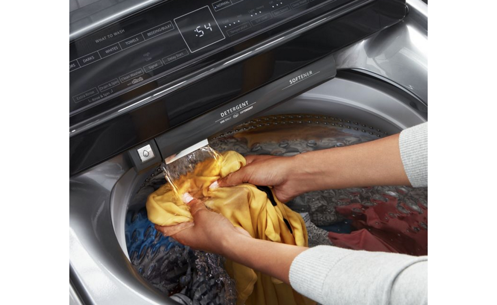 The built-in water faucet can help remove dried paint from clothes