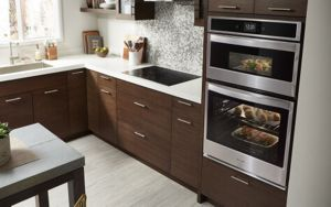 Food roasting and baking in a Whirlpool® oven