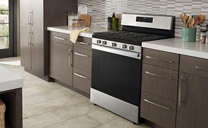 A freestanding range in a kitchen