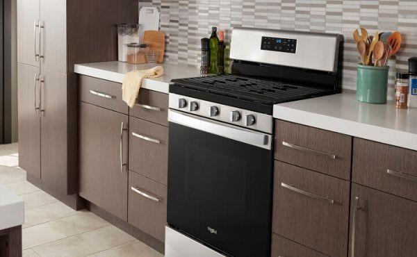 Freestanding range in a modern kitchen