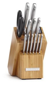 Discover our sleek stainless steel knife set.