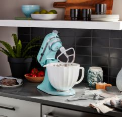 KitchenAid® Stand Mixer with ceramic bowl